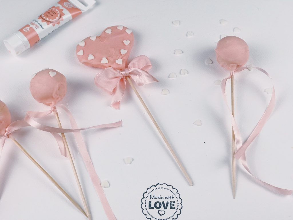 Valentinstag: Cake Pops in Peach graphic