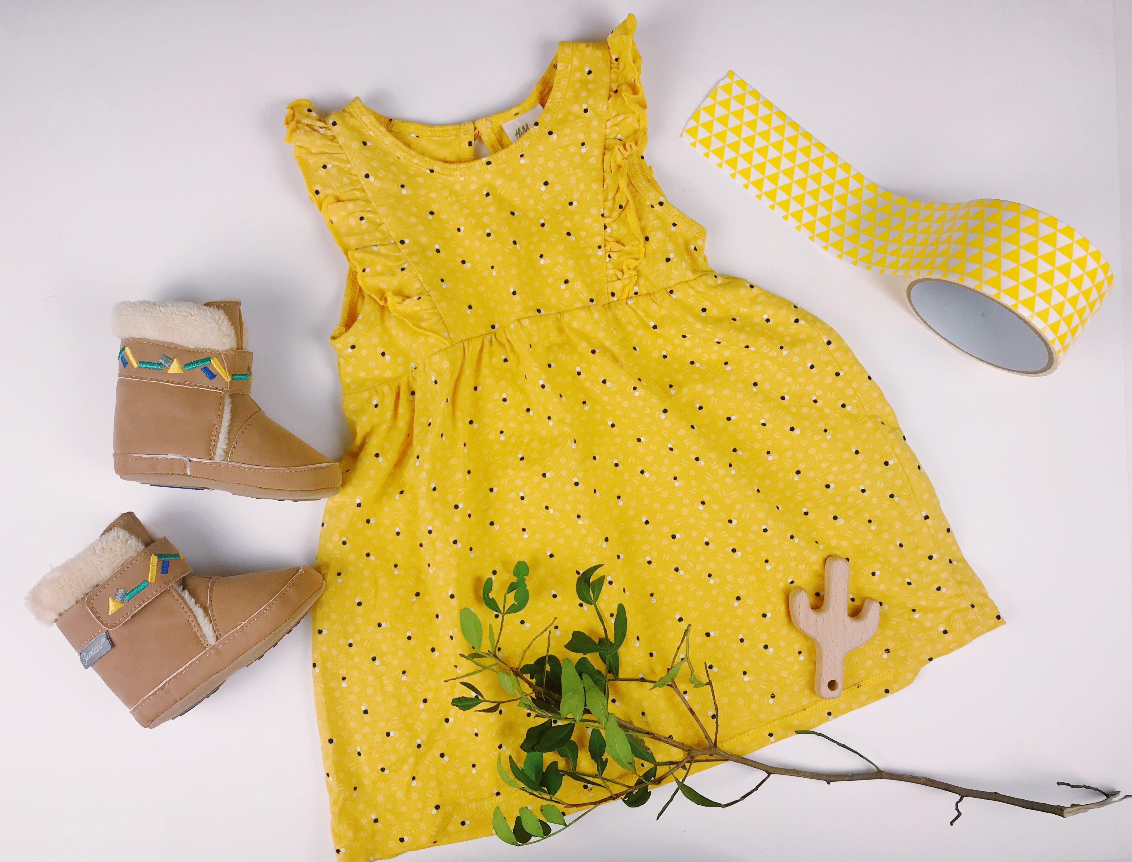 gelbes Baby Kleid mit Volants
