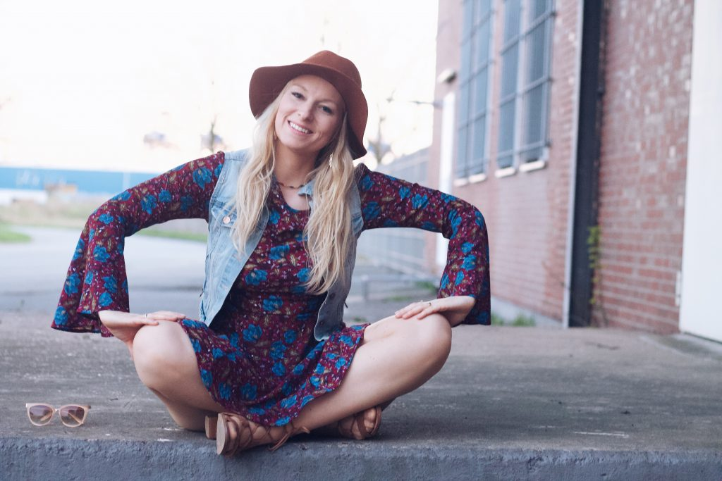 Outfit: Meet the Hippie Girl graphic